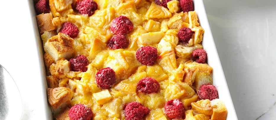 Raspberry-Lemonades-Bread-Pudding