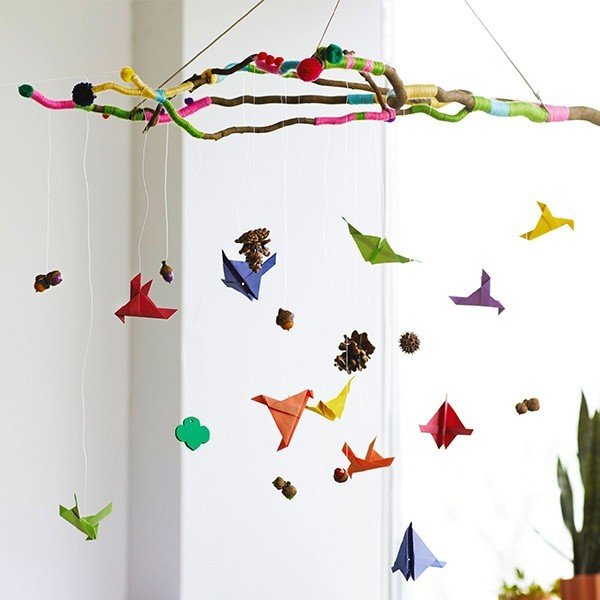 Fallen Nature Mobile: A fallen nature mobile brings nature's charm indoors!